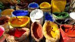 Paint Dyes along the Golden Horn